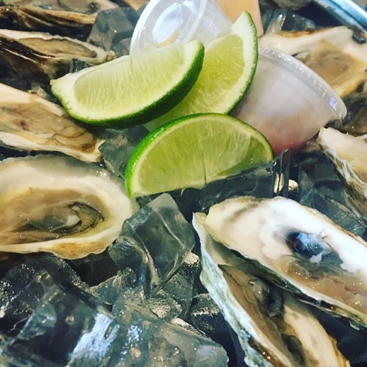 Oysters-thecaptainsboil-sherway-gardens