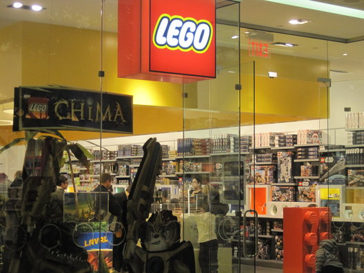 LEGO Store at Sherway Free Mini Model Build - My Toronto Scoop